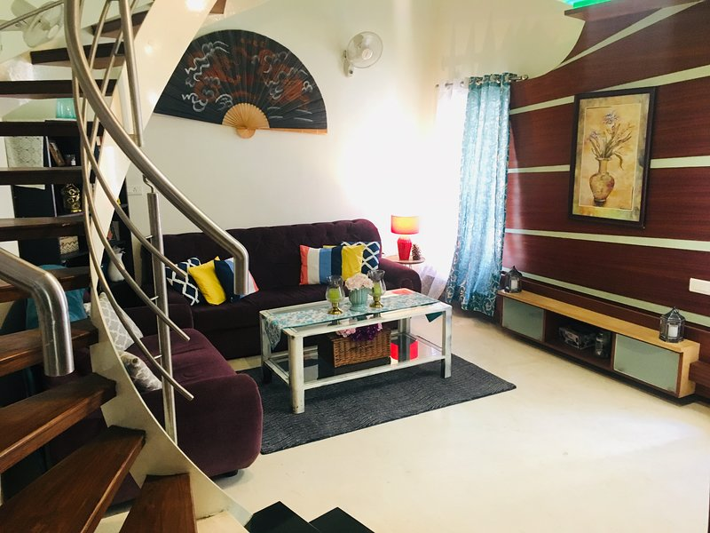 Private room in a bungalow, holiday rental in Bengaluru