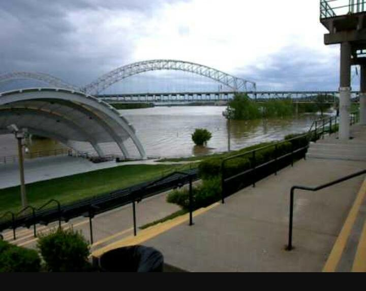 New Albany Amphitheater on the Ohio River