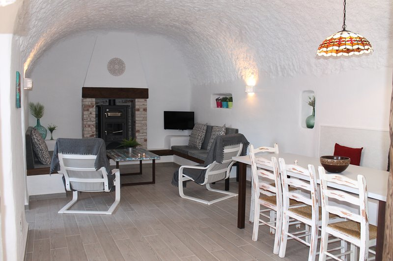 Cueva Adonia II, vacation rental in Cuevas del Campo