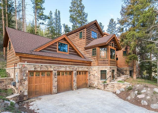 Luxury Mountain Estate w/ Hot Tub, Home Theatre, 5 Fireplaces & Spa, location de vacances à Keystone