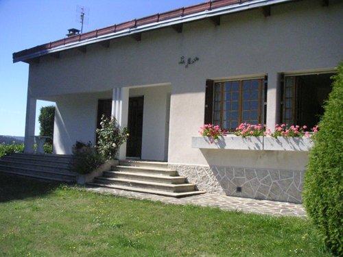 Location Maison avec Jardin 6 couchages - Langogne, Lozère, holiday rental in Langogne