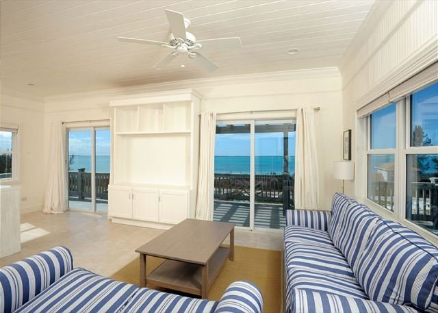 Bright and Sunny Designer Cottage w/Sunset Ocean Views. BRAND NEW, holiday rental in Tarpum Bay