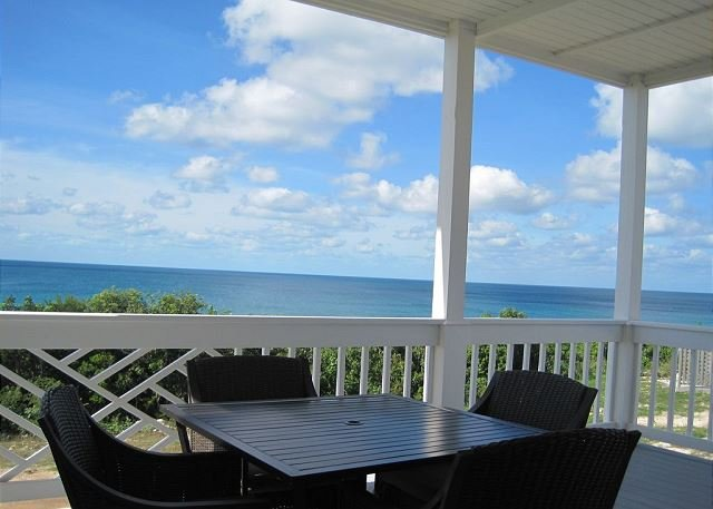 New Condo w/Heated Pool, Private Beach, Dock, 2-Ocean View, Golf Cart, Kayaks, holiday rental in Eleuthera