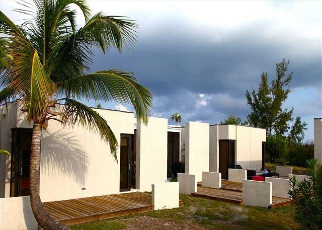 Windermere Island Beach House with Club Membership, Pool, Tennis, location de vacances à Rock Sound