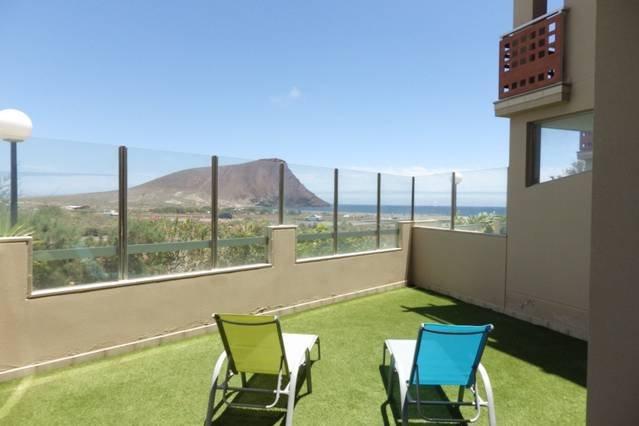 Peaceful apartment with scenic views, holiday rental in La Tejita
