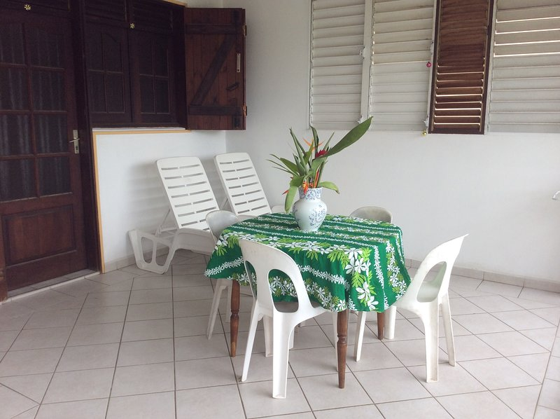 Beautiful apartment with garden, vacation rental in Gros Cap