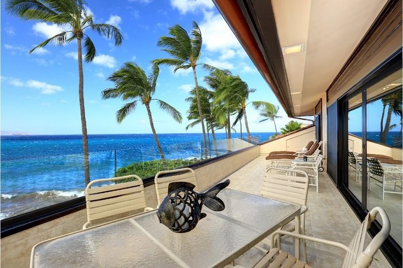 3 Bedroom Beach Front Paradise at Makena Surf - MAKENA SURF RESORT, #G-304, aluguéis de temporada em Makena