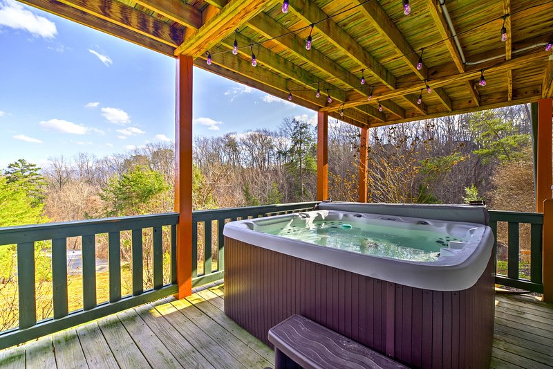 Escape to Sevierville and stay at this vacation rental cabin!
