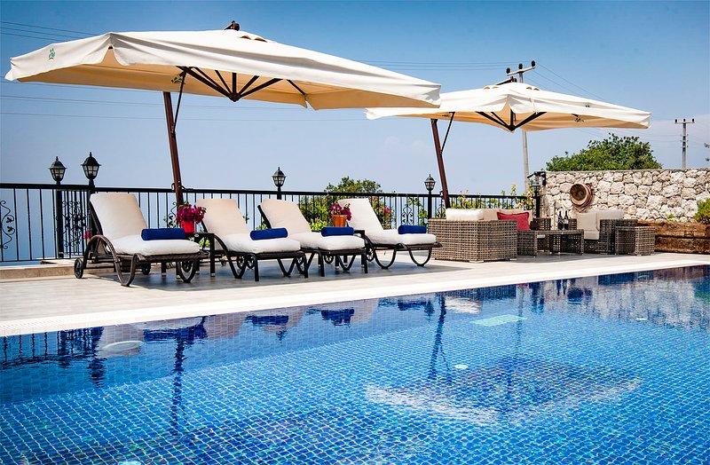 Uzunyurt Villa Sleeps 6 with Pool and Air Con - 5690949, holiday rental in Uzunyurt