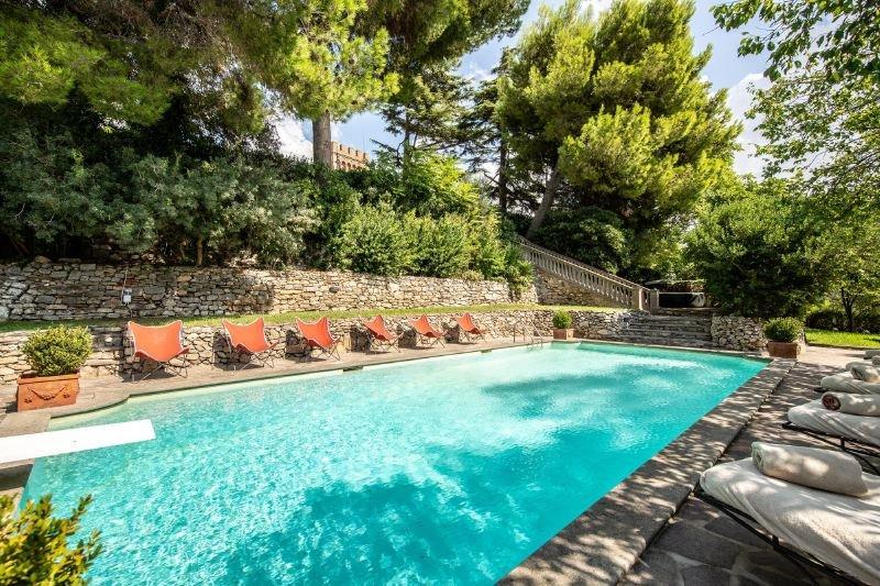 Campiglia Marittima Villa Sleeps 20 with Pool Air Con and WiFi - 5218179, holiday rental in Campiglia Marittima