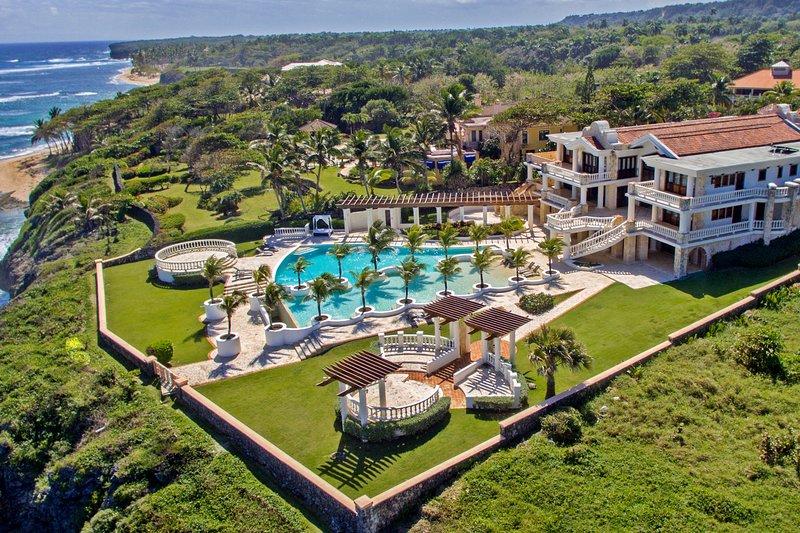 Private 10 Bedroom Villa WEDDINGS, FAMILY REUNIONS, holiday rental in Maria Trinidad Sanchez Province