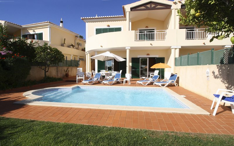 Beautiful 2-bed villa with private pool a short walk to the beach