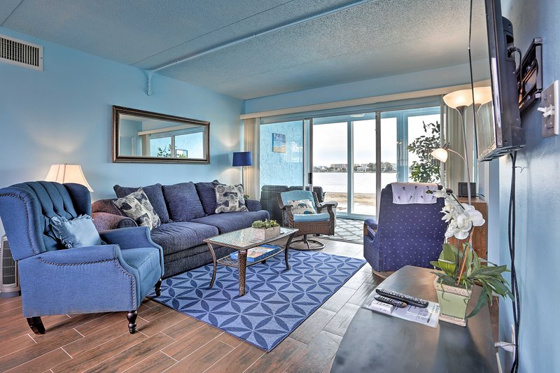This condo comfortably accommodates 3 guests.