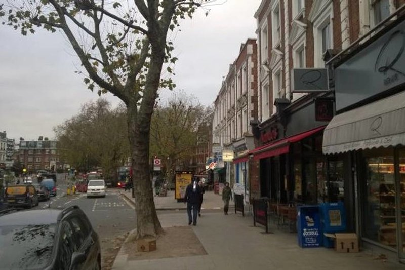 Prachtig gebied van West Hampstead dichtbij.