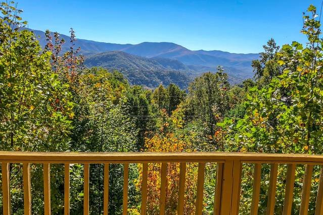 Unbelievable Views Of The Great Smoky Mountains National Park And Mt. Leconte!