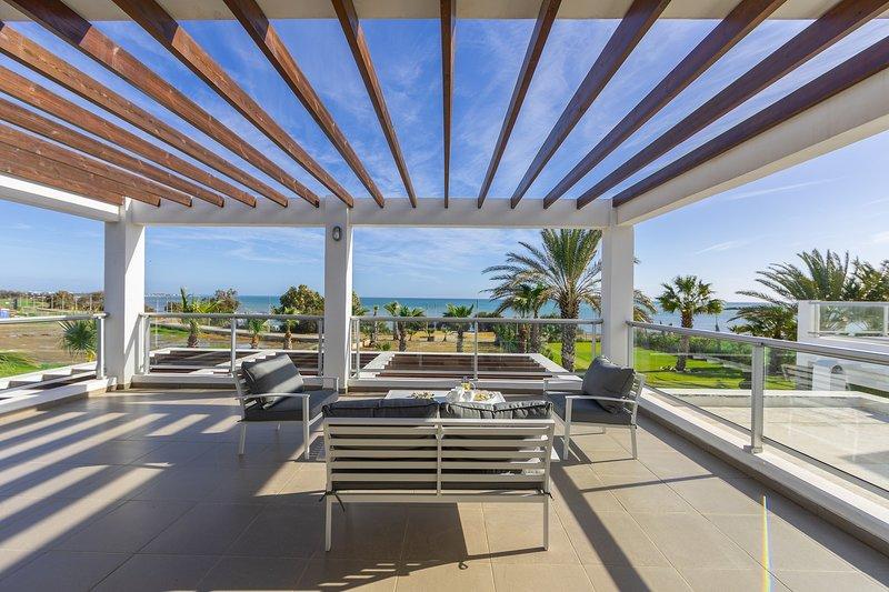 4 Bedroom Villa Pervolia Beach Front, vacation rental in Pervolia