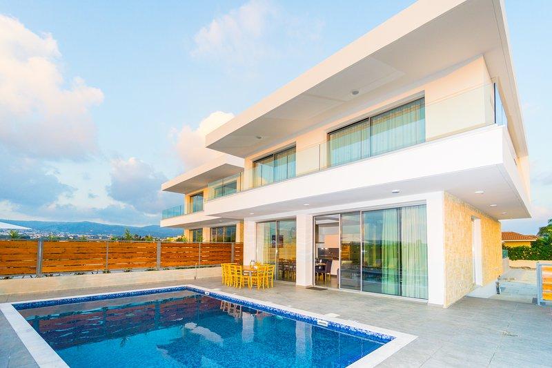 Sea Coral Villa Modern Architecture 5br 6 Bath Villa With Sweeping