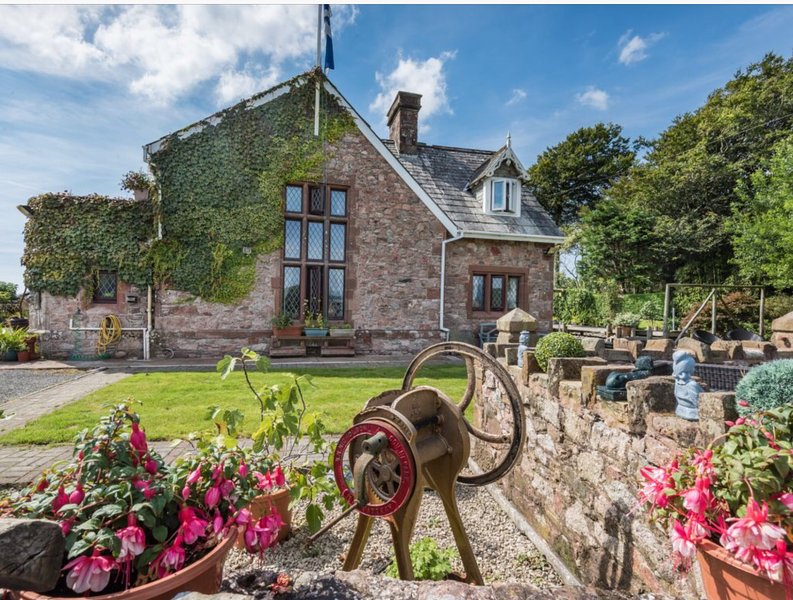 Holiday Cottage close to Wasdale with Amazing Views of the Wasdale Valley, holiday rental in Beckermet