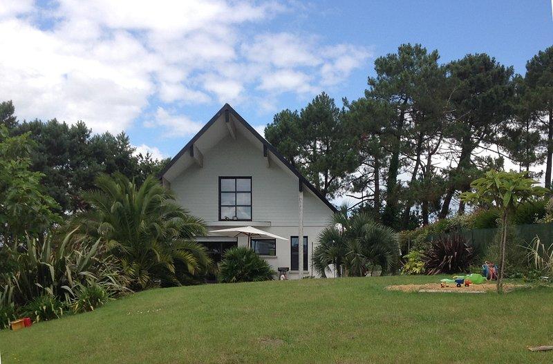 Maison Contemporaine, location de vacances à Plougoumelen