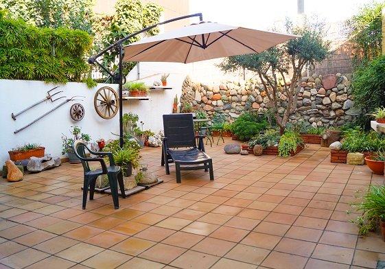 Bonito Apartamento con Jardín al lado de la Playa, alquiler vacacional en Santa Coloma de Gramanet