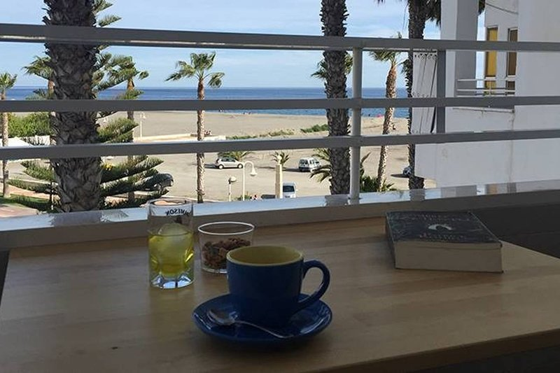 Beautiful apartment with sea view, casa vacanza a Motril