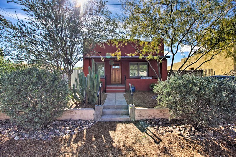 Base memorable adventures out of this centrally located Tucson home!