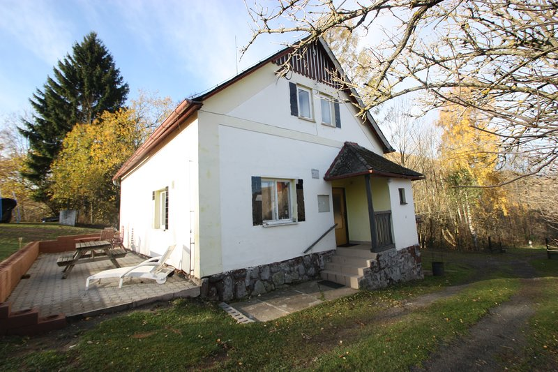 Holiday Home Krokonose up to 8 people - Summer and Winter Holiday, holiday rental in Broumov