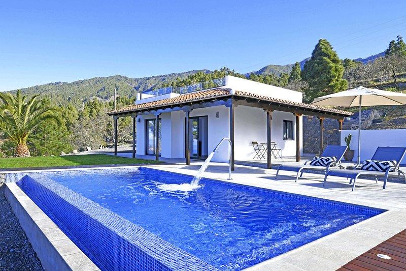Casa El Consuelo, holiday rental in El Jesus