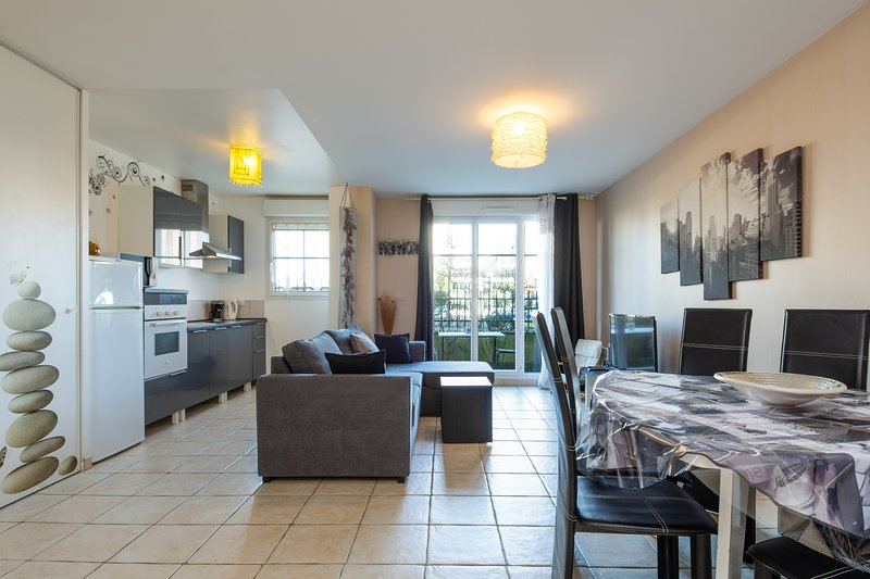 2 bedroomed 5 mins from Disneyland Paris, casa vacanza a Conde-Sainte-Libiaire