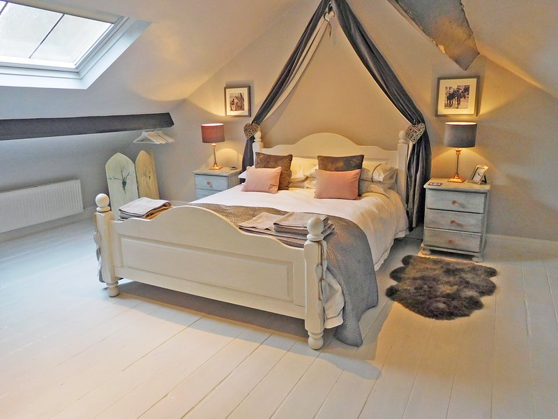 Gowland Cottage, Charming 18th Century, Old Town, Listed Fisherman's Cottage, holiday rental in Scarborough