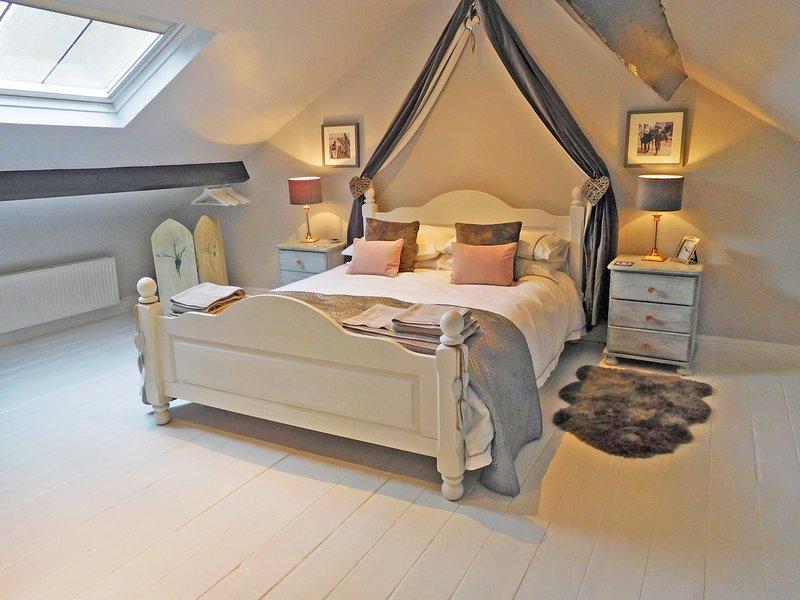 Gowland Cottage, Charming 18th Century, Old Town, Listed Fisherman's Cottage, location de vacances à Scarborough