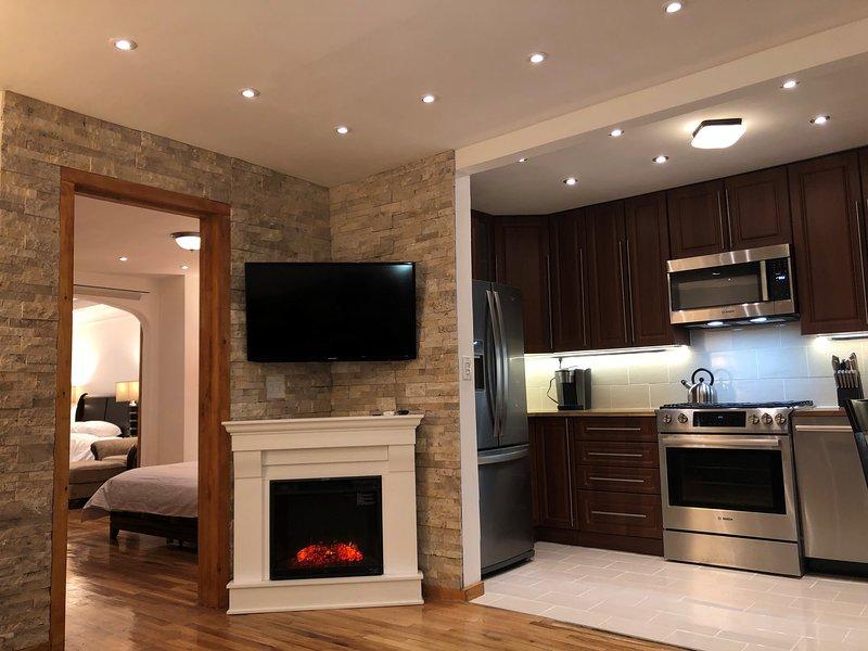 Cozy Quaint Modern Garden Apartment, holiday rental in Brooklyn