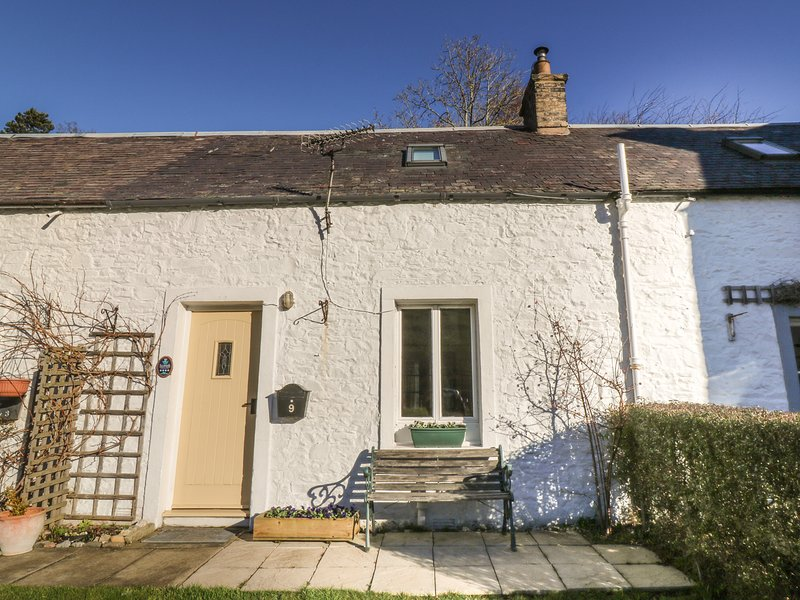 GALABANK COTTAGE, wood burning stove, views, parking,Scottish Borders, Ref, vacation rental in Oxton