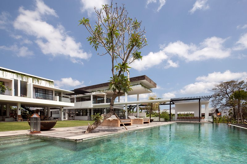 Villa Suami 4 Bedroom, Canggu, Bali, holiday rental in Tanah Lot