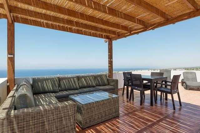 Joya Cyprus Mermaid Penthouse Apartment, holiday rental in Tatlisu