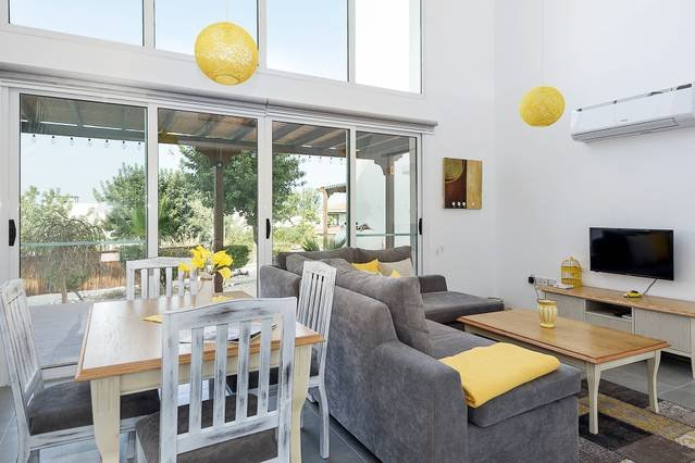 Joya Cyprus Summer Garden Apartment (Free WiFi & Free Welcome Pack), holiday rental in Tatlisu