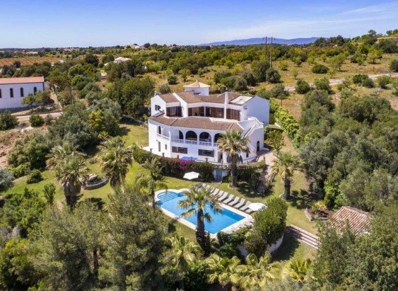 Villa Luza, vacation rental in Fonte De Louzeiros