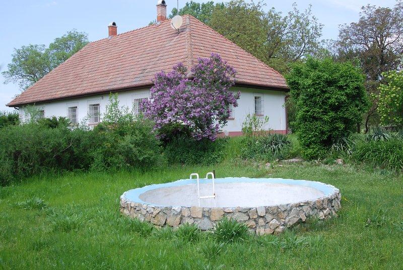 Rustikales Landhaus in der Puszta, mit Reitmöglichkeit, holiday rental in Izsak