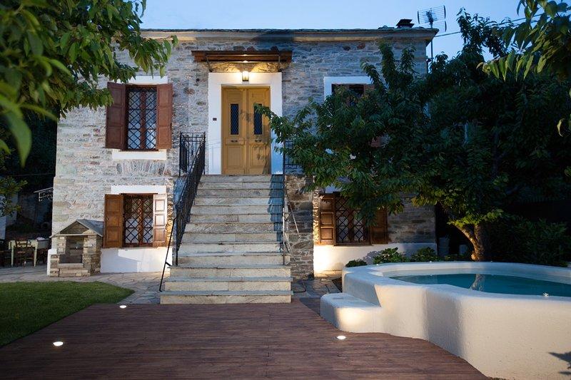 Villa Erifili by Pelion Esties, location de vacances à Agria