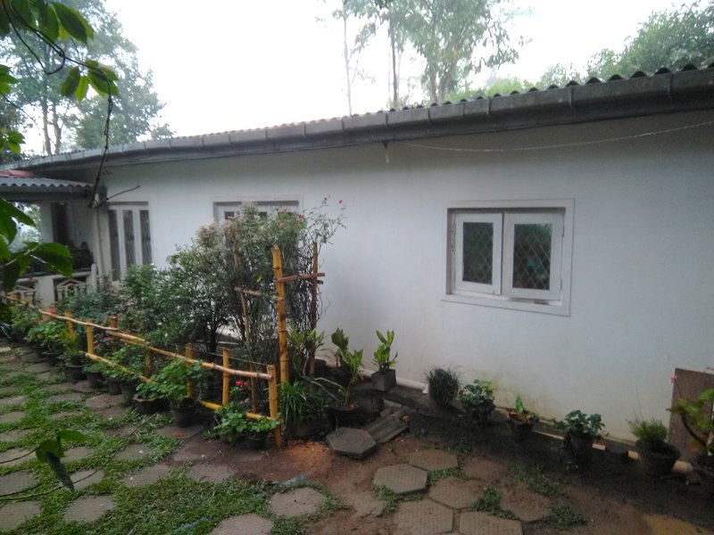 Thayeshi Holiday home is surrounded by mountains, calm and quite location, holiday rental in Haputale