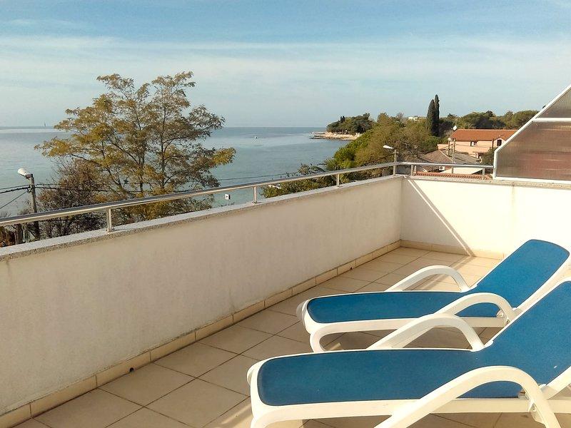 Appartamento Vesna2 Umag-Zambratija balcone vista mare vicino alla spiaggia Wifi, holiday rental in Zambratija