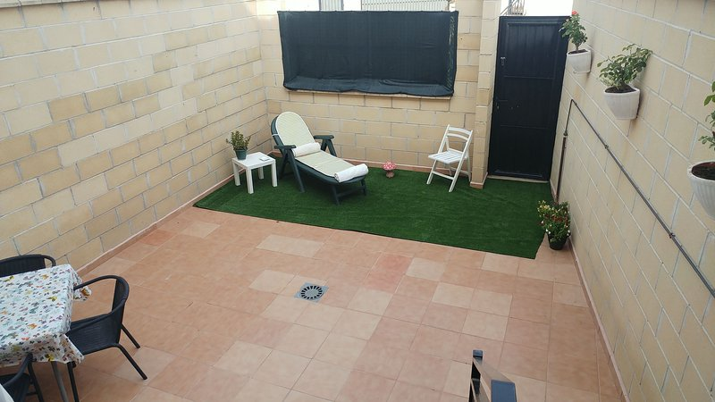 Spacious house with mountain view, holiday rental in Daimiel
