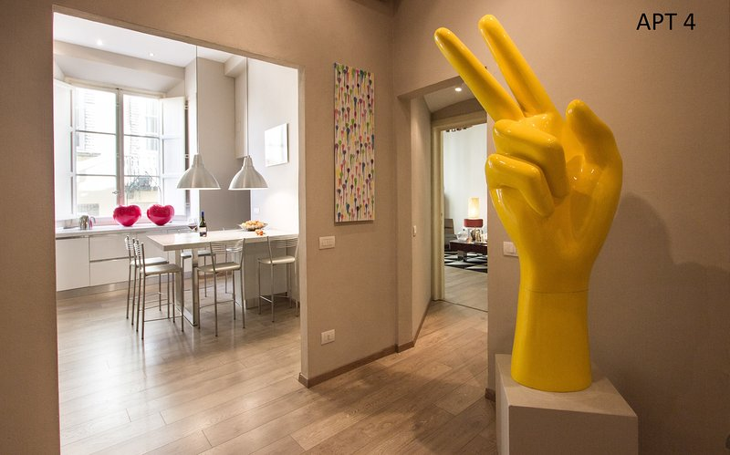 Stylish Modern Apartment in Lucca center, vacation rental in Lucca