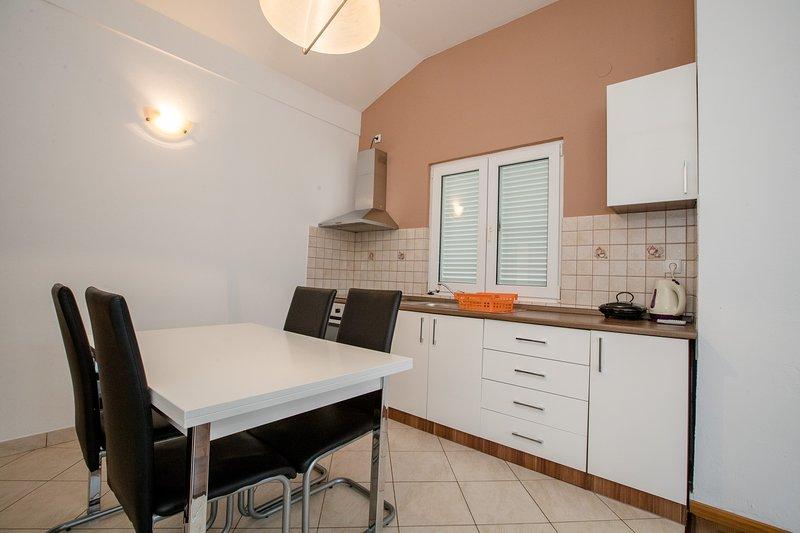 Quiet and Pleasant - Appartement (2+1), location de vacances à La ville de Rab