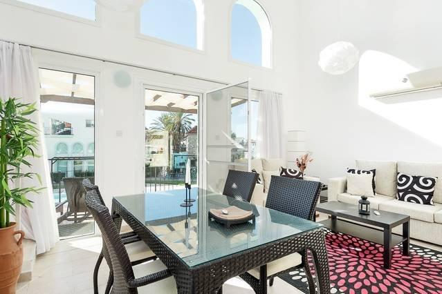 Joya Cyprus Sun-Kissed Garden Apartment (Free Wifi & Free Welcome Pack), holiday rental in Bahceli