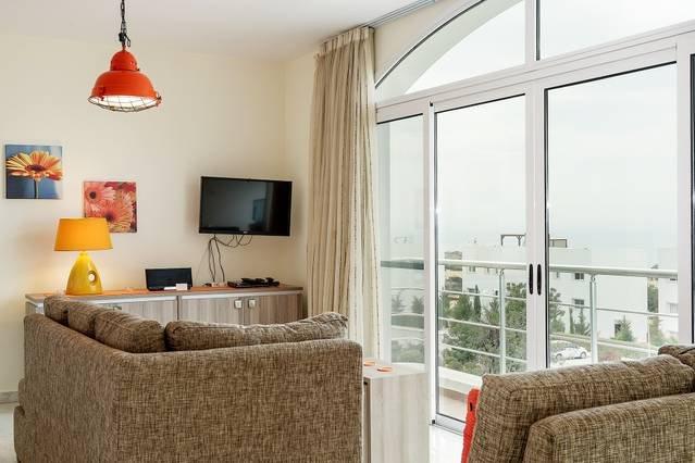 Joya Cyprus Mandarin Penthouse Lux Apartment, holiday rental in Tatlisu