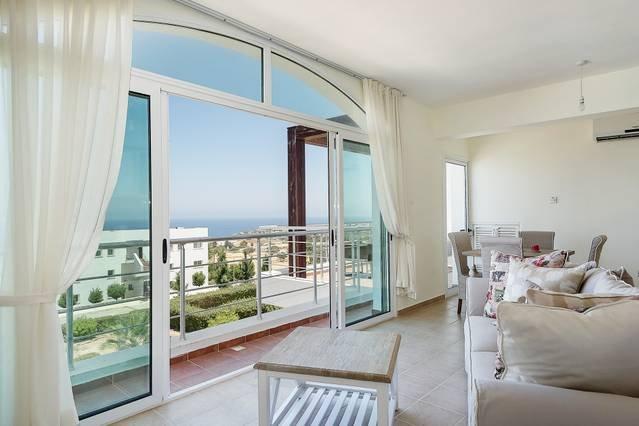 Joya Cyprus Mandalay 2 Bed Penthouse Apartment, holiday rental in Tatlisu
