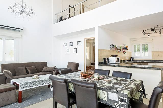Joya Cyprus Nightingale Garden Apartment, location de vacances à Bahceli