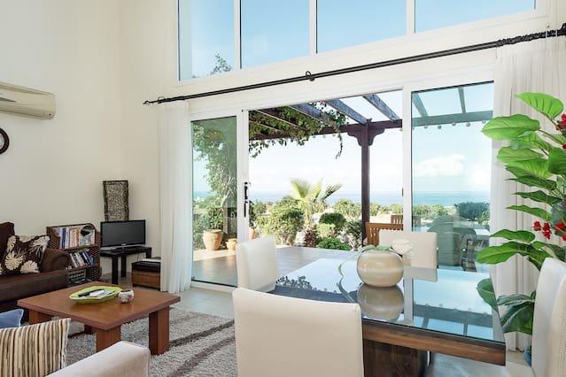Joya Cyprus Maroon Garden Apartment, holiday rental in Tatlisu