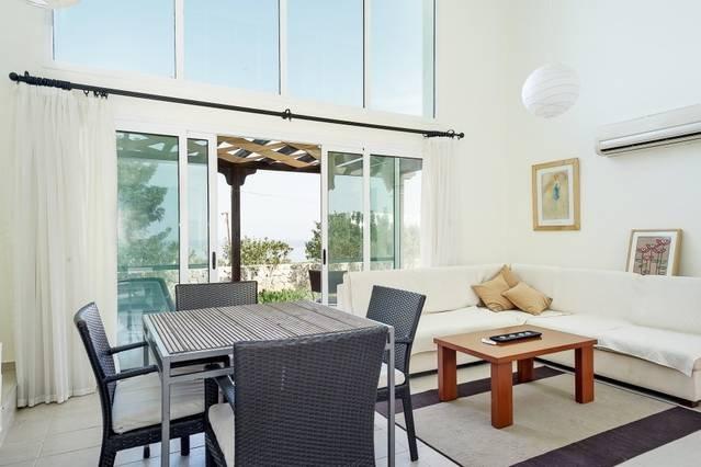 Joya Cyprus Starlight Garden Apartment, holiday rental in Tatlisu